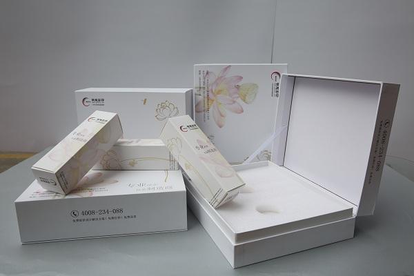 明辉彩印与您分享精装盒包装印刷制作七大工序