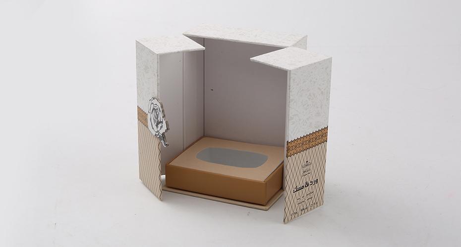 明辉彩印浅谈化妆品纸盒包装的制作工艺